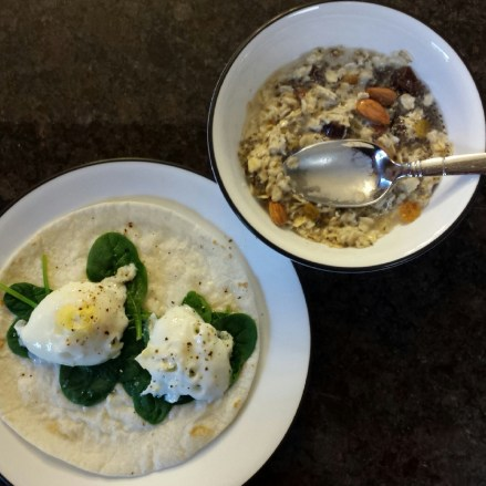 Egg spinach wrap with oatmeal/unsweetened cocomut mil/almonds/dates/chia seeds