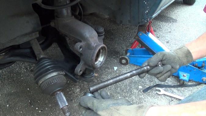 Montage des pièces sur l'extracteur de roulement