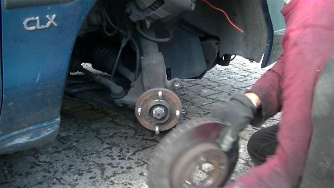 Déposer le disque de frein