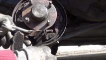 Changer des segments de freins arrières et des cylindres de roues