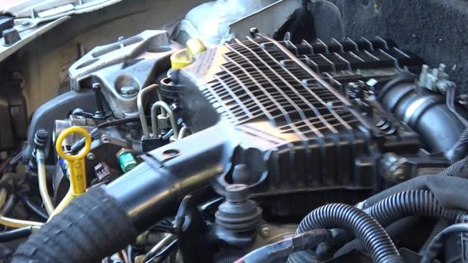 Les vibrations du moteur au ralenti indiquent un défaut de combustion dans un ou plusieurs cylindres