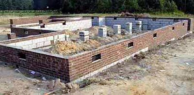 House foundations the pros cons of 3 different types for Crawl space house plans