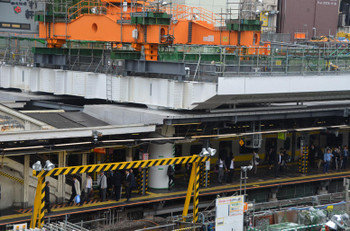 JR東日本 中央線「御茶ノ水駅」を全面的に造り替え 大規模な人工地盤が姿を現した「JR御茶ノ水駅バリア ...