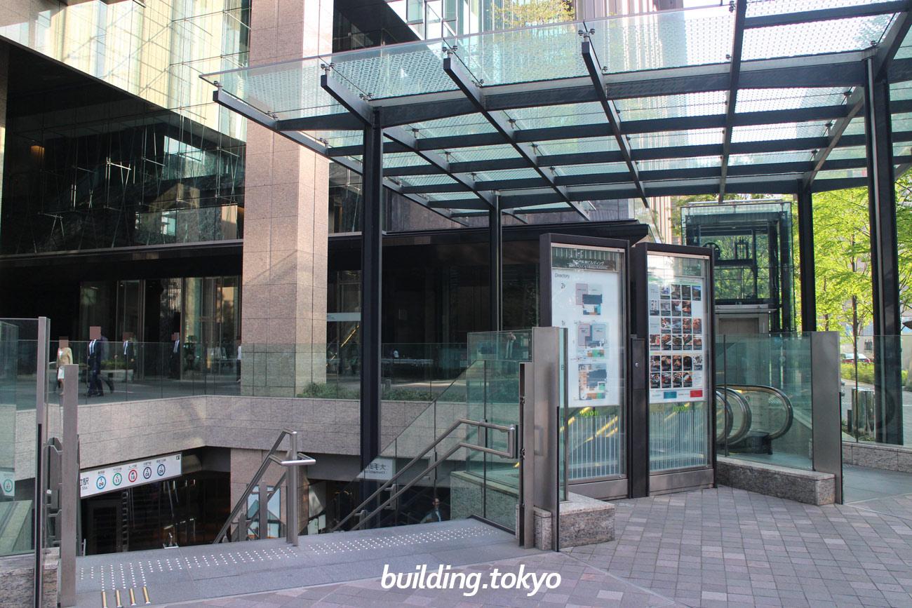 丸の内永楽ビルディング【地下1階から2階がiiyo!!(イーヨ!!)】
