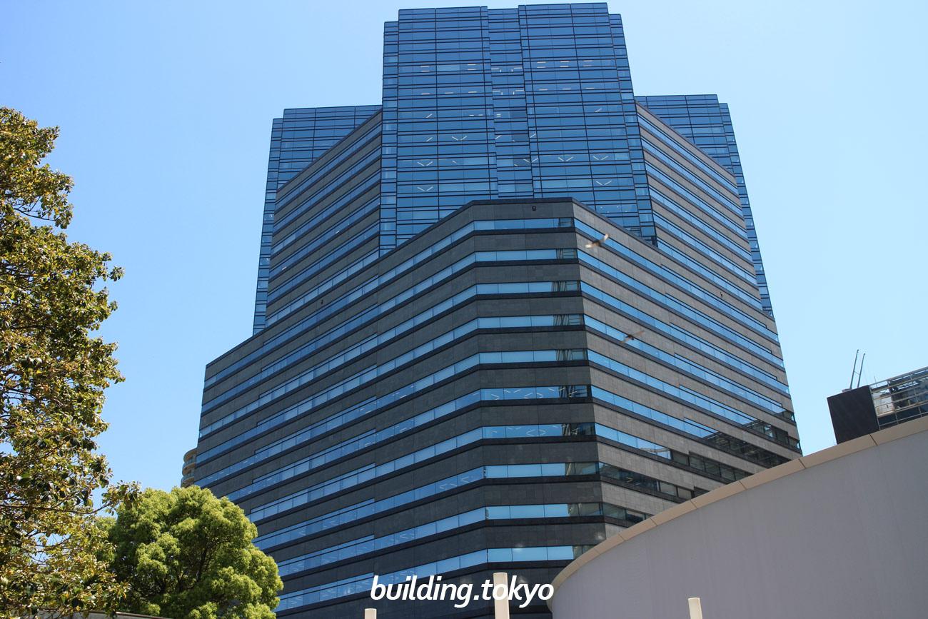 ゲートシティ大崎 イーストタワーは、地上24階 地下4階 塔屋1階のビルで、4階から24階がオフィス、地下1階から3階がレストラン&ショップの「GATE CITY PLAZA」です。