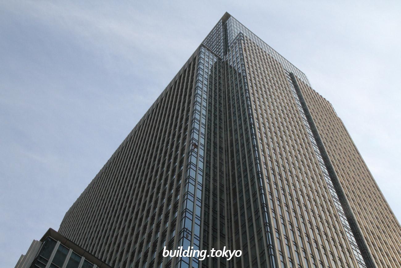 日本橋三井タワー。