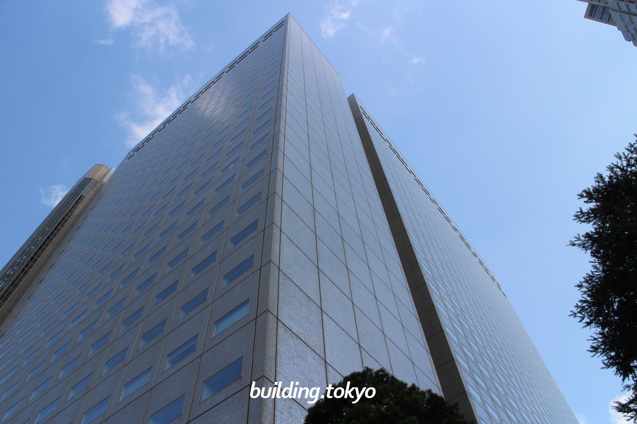 新宿NSビル。