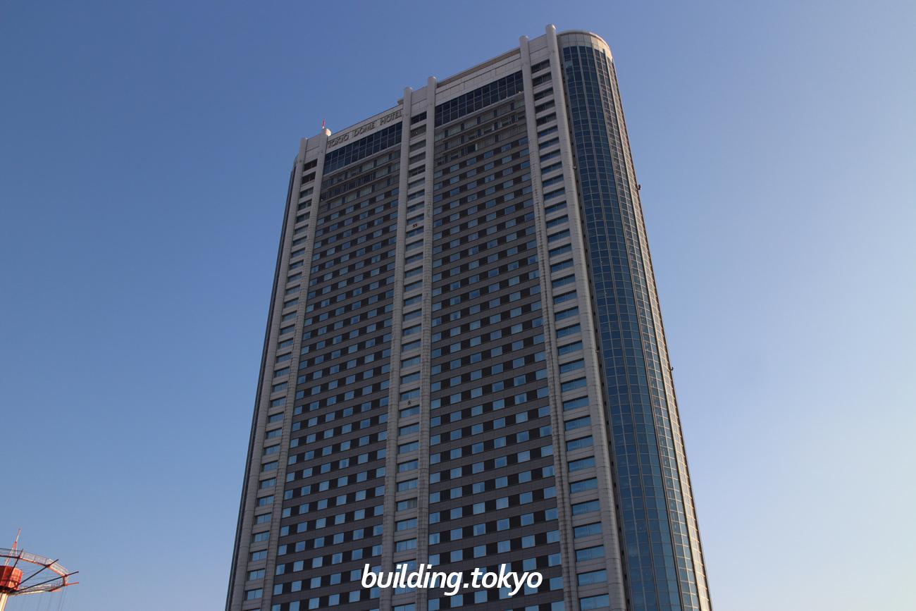 東京ドームホテルは、9階から41顔がホテル客室(全1006室)で最上階にはサウンドステージ&ダイニング「アーティスト カフェ」、アーティストバー「C Maj7 (シー メイジャー セブンス)」があります。建築設計は丹下健三氏です。