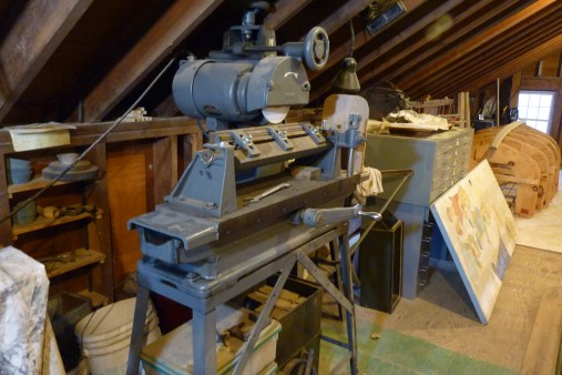 """Newman Model 71 straight knife grinder. Table movement is 30"""". Handles 24"""" planer blades nicely, but it's slow. Since there is no coolant, depth of grind is limited to about .0005"""" per pass, and the table is manually operated. Great workout!"""