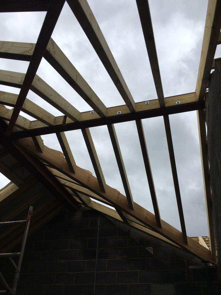 Front roof ridge
