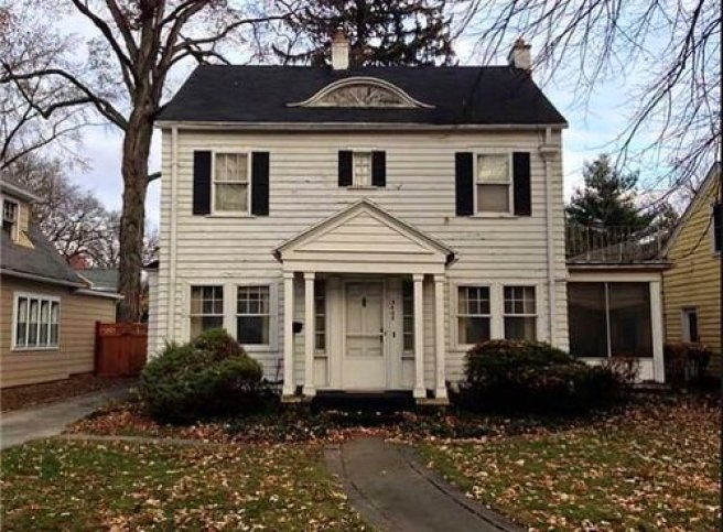 Restoring this 100 year old colonial style home | Building Bluebird #homerestoration #historichomes #colonial #preservation