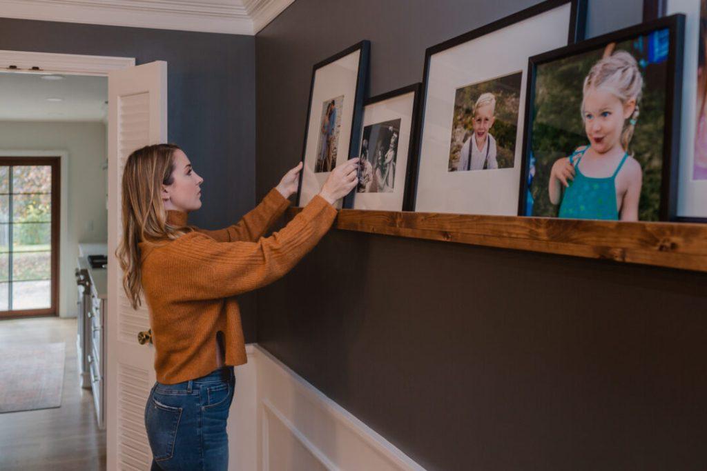 DIY art ledge to display artwork or family photos | Building Bluebird