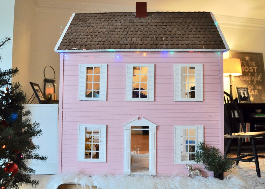 Pink dollhouse found at at antique store