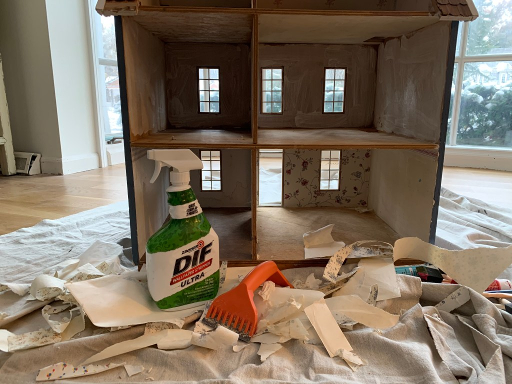 Dollhouse wallpaper removal