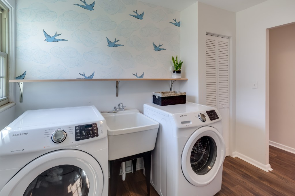 5 energy-efficient tips for your laundry room   Building Bluebird #sustainability #green #sustainableliving