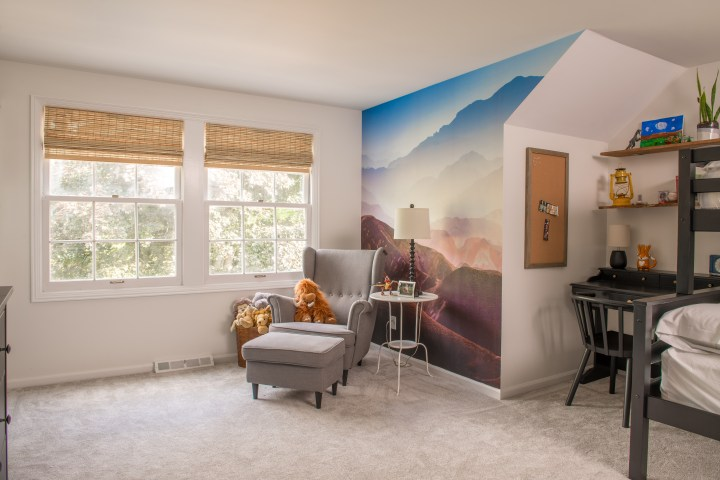 Modern boys bedroom makeover with mountain mural | Building Bluebird