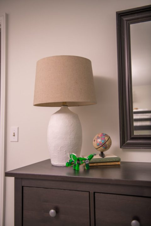 How to upcycle a second-hand lamp with Paris of Plaster | Building Bluebird #diy #thrifting
