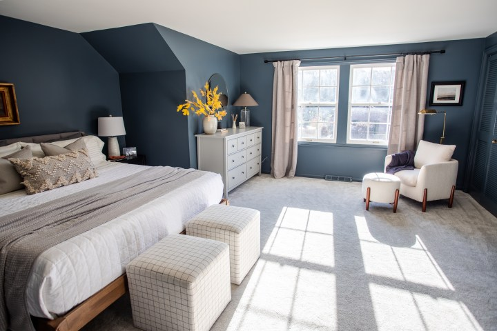 Modern master bedroom makeover with moody paint color | Building Bluebird #outerspace #swcolorlove #moodypaint #sw6251 #modern #ikeahack
