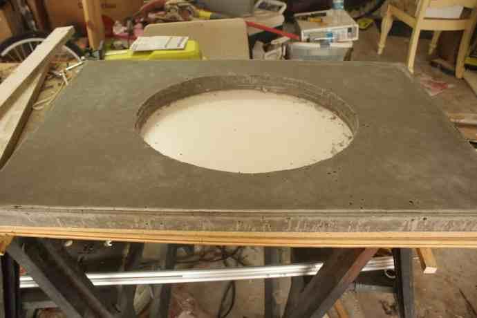 DIY Concrete vanity Countetop