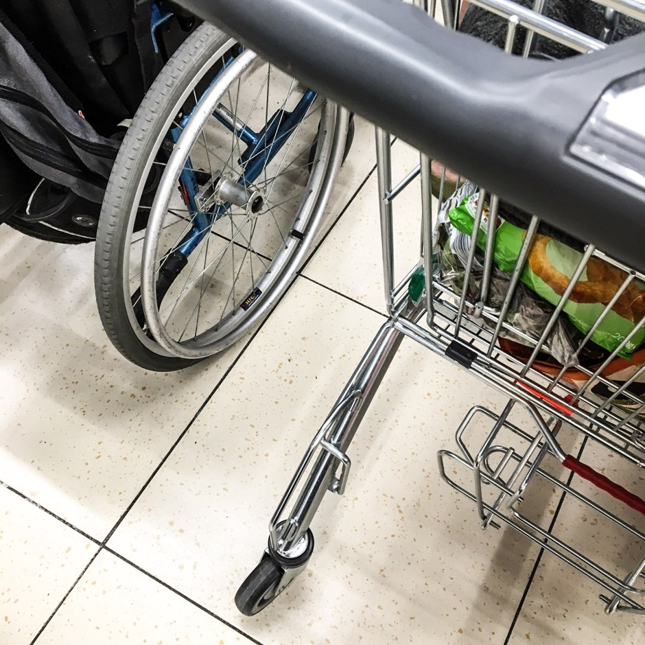 wheelchair-checkout-and-trolley-lidl-suprises-buildmumahouse jola piesakowska