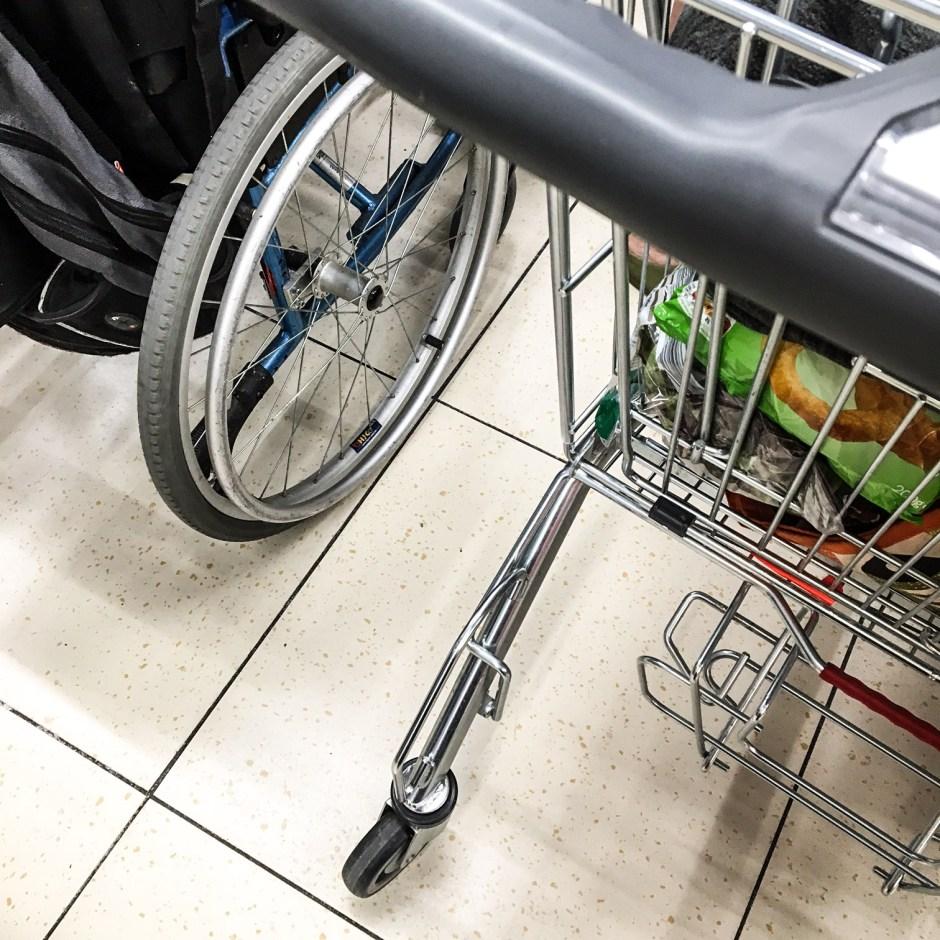 wheelchair-checkout-and-trolley-lidl-suprises-buildmumahouse jola piesakowska