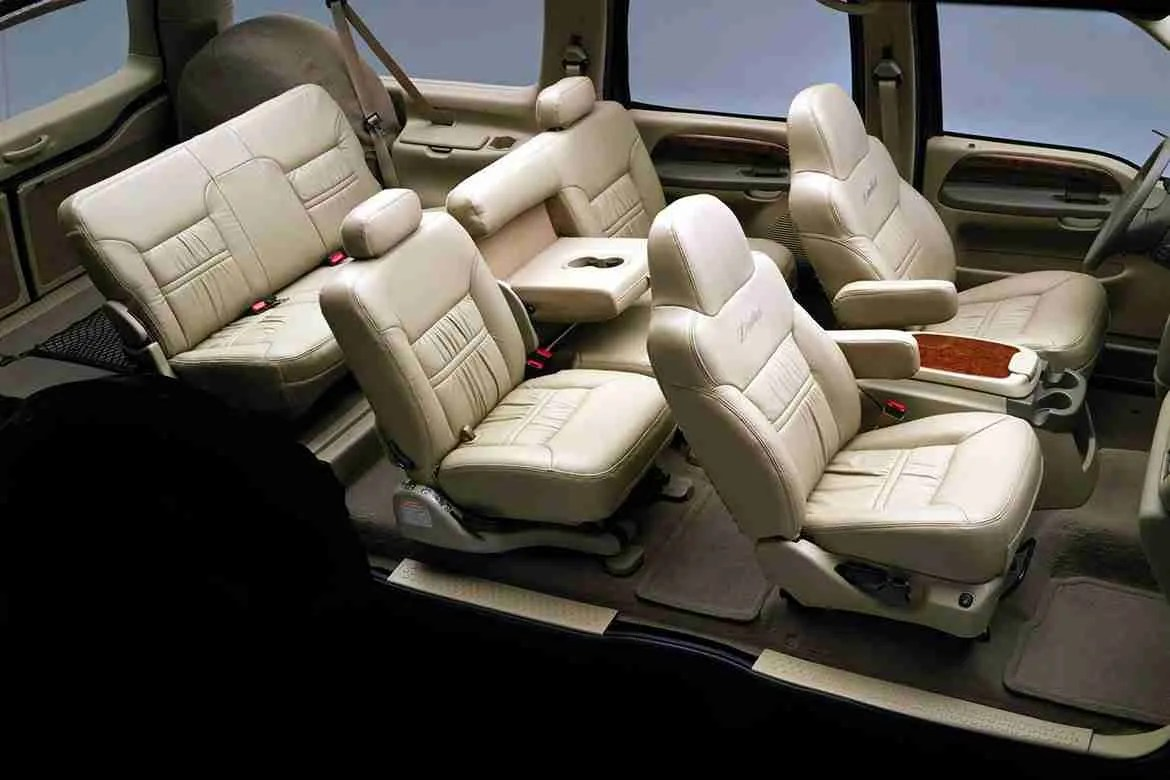 hight resolution of ford excursion interior
