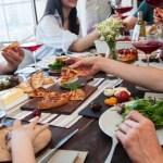 食事中の会話が苦手……その場を盛り下げないために大事なポイント