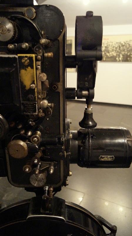 Wystawa w Muzeum Kinematografii - stare kamery i inne sprzęty