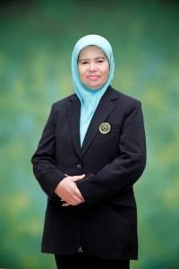 Dra. Anik Isnaini - Subbagian Tata Usaha