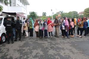 Acara Penukaran Uang oleh Bank Jatim di Universitas Negeri Malang