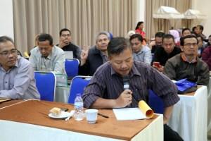 Antusiasme peserta dalam mengajukan pertanyaan dan saran untuk E-Office