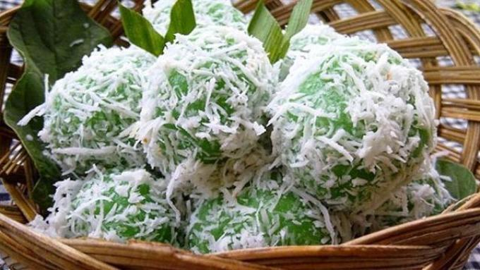 Kue Tradisional Indonesia. Klepon.