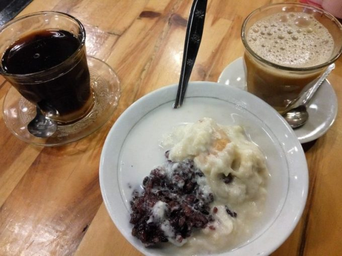 Makanan Khas Aceh Bulukat Kuah Tuhe