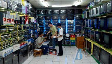 usaha toko elektronik