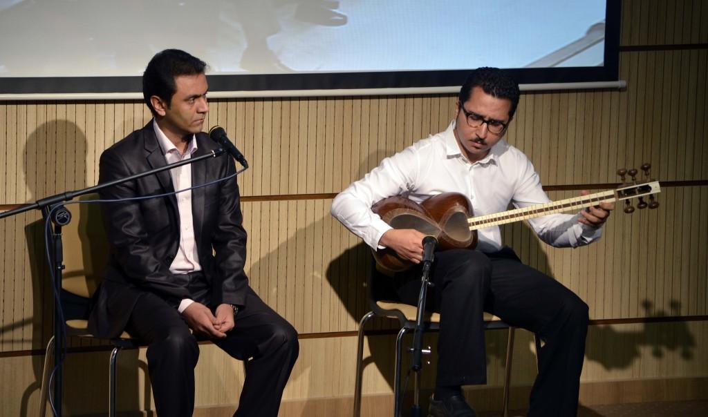 مجتبی عسگری (آواز) و سامان صادقیان( تار)