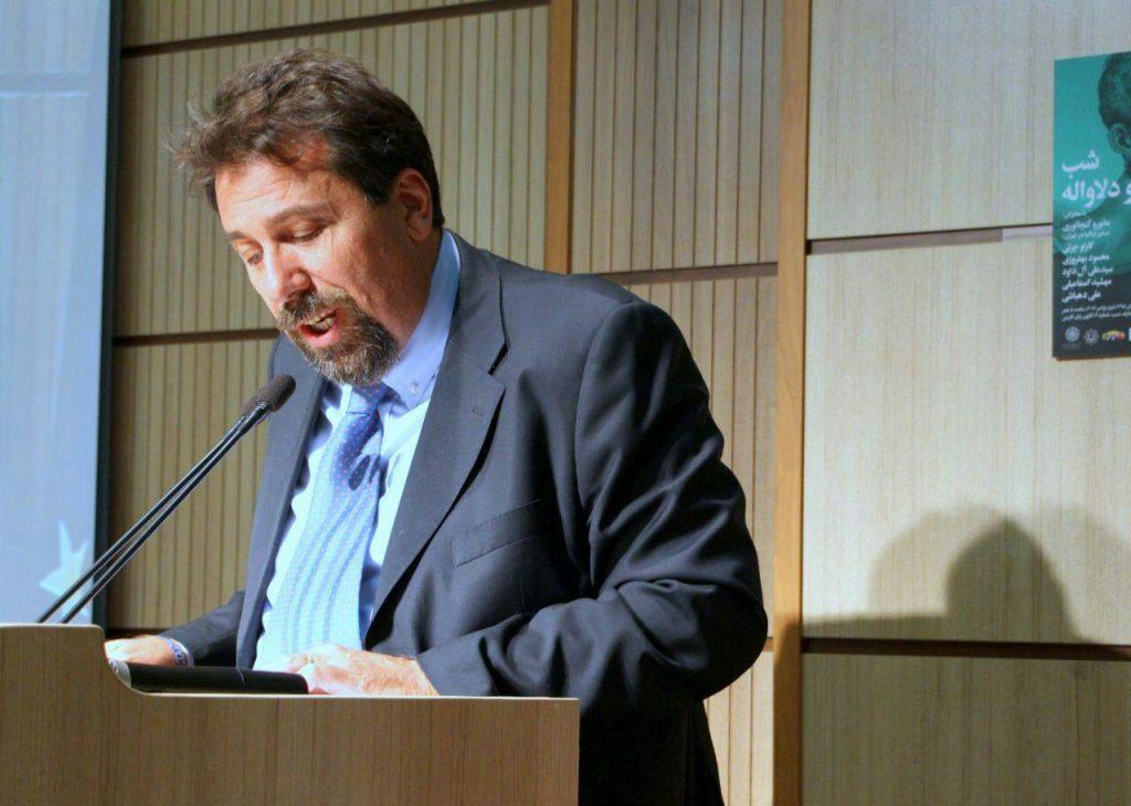 پروفسور کارلو چرتی از خصایل اخلاقی دلاواله یاد کرد
