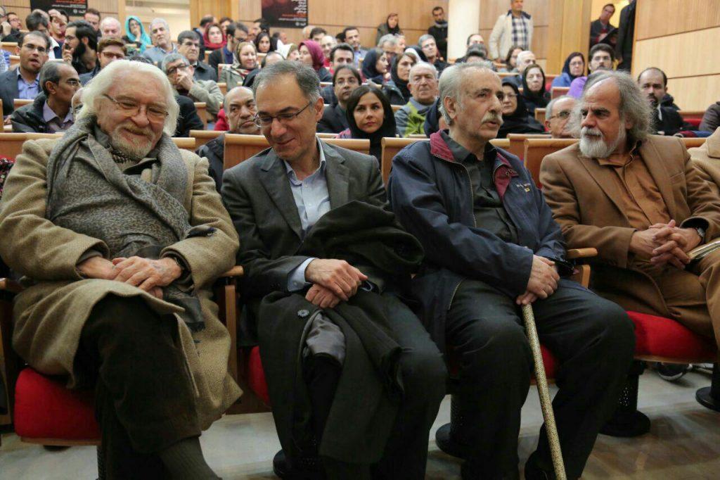 دکتر داریوش شایگان در کتار استادان حسین پاینده، بهاءالدین خرمشاهی و مصطفی ملکیان
