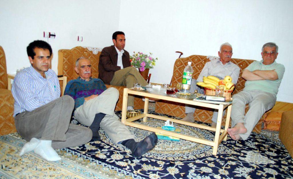 دکتر محمد اسلامی . دکتر منوچهر ستوده و ایرج افشار و منوچهر تتری در منزل منوچهر خان