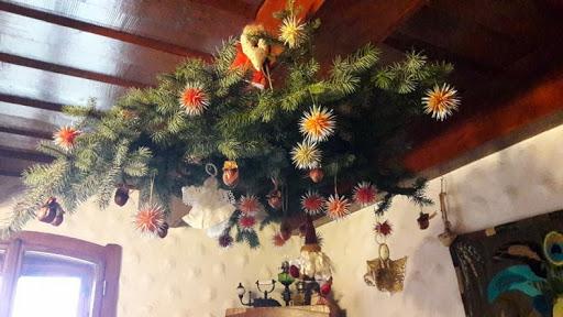 Tai, ką jie dabar vadina kalėdinėmis eglėmis, tėra viso labo kiniškos dekoracijos