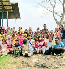 Indonesia di Balik Gunungan Sampah