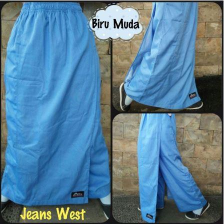 Rok celana biru muda