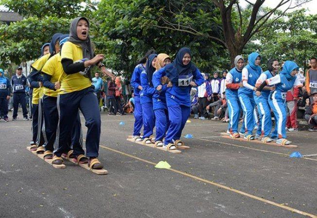 Permainan Tradisional Melayu Bakiak