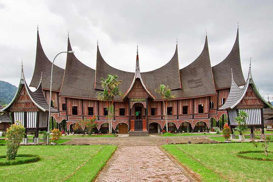 Rumah Adat Di Indonesia Beserta Gambar Dan Penjelasannya Bukubiruku