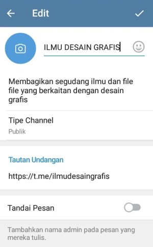 "Tampilan halaman channel dalam mode ""Edit"""