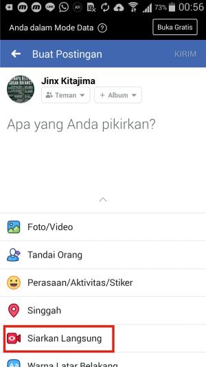 Gambar 4. Tampilan Facebook biasa di Hp Kitkat. Fitur siaran langsung tersedia.