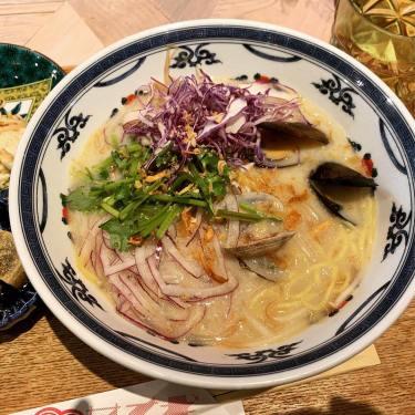 【新宿】東南口ガード下のカフェ サナギ食堂でクラムヌードルを食す