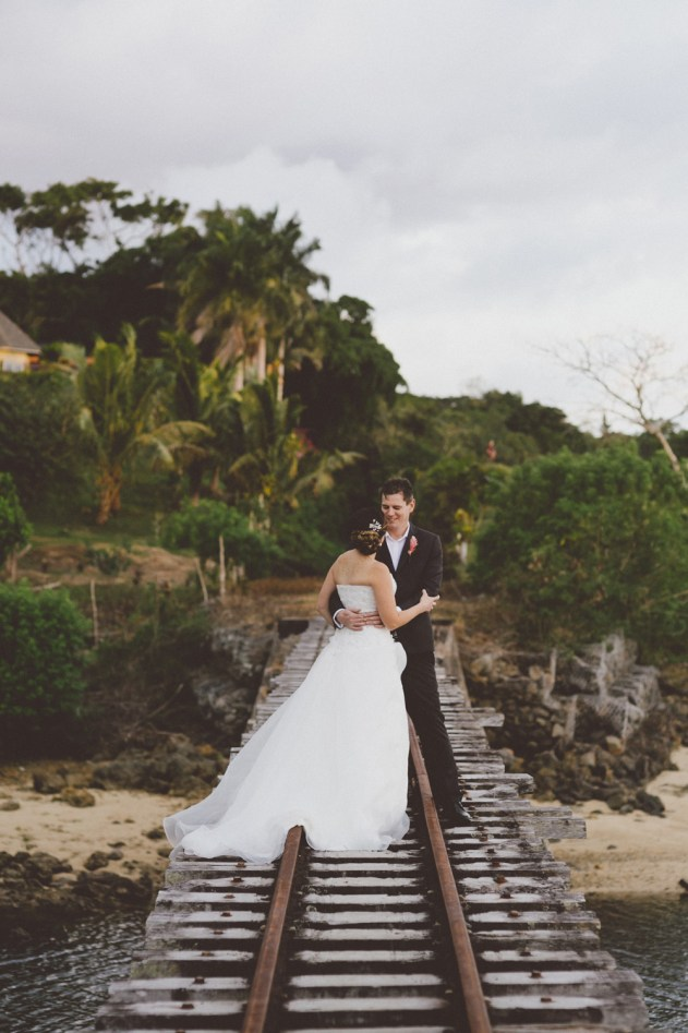 Hollis-440Bula Bride – Fiji Wedding Blog // Brett & Kelly – Shangri La Fiji Wedding, captured by Willow & Co #fijiwedding #bulabride