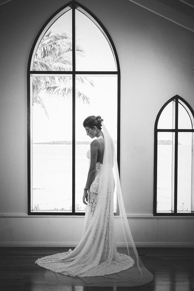 Bula Bride Fiji Wedding Blog // Fiji Bridal Hair Accessorie Inspiration. Captured by Nadi Bay Photography