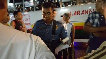 Lucena PNP blocks peasant protest caravan from Bicol