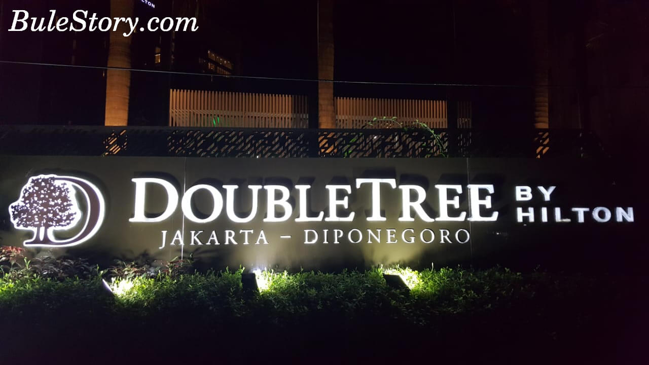 Is This The Most Awesome Hotel In Jakarta Doubletree Hotel By Hilton Jakarta Indonesia Bulestory